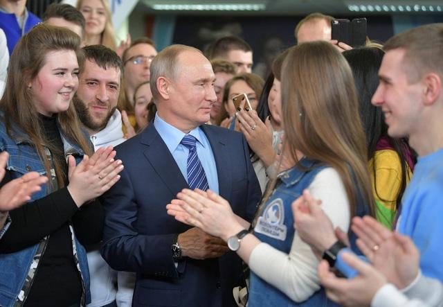 Ông Putin dự kiến thắng lớn trong bầu cử tổng thống - Ảnh 1.