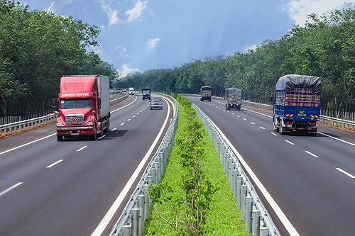 Tổng cục Đường bộ nói về việc cấm vĩnh viễn hai xe vào cao tốc - ảnh 1