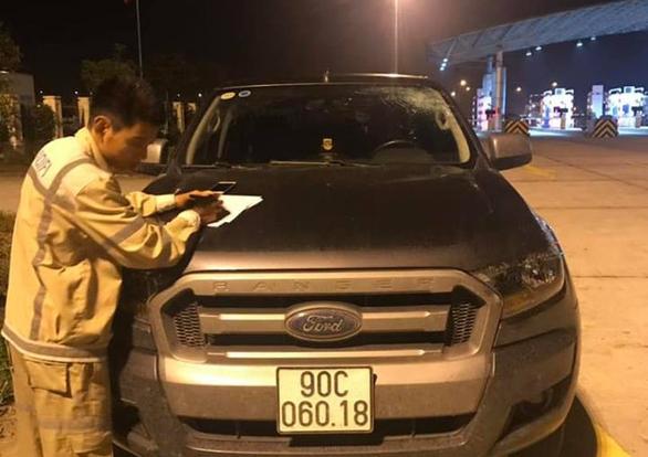 Ô tô bị ném vỡ kính trên đường cao tốc Hà Nội - Hải Phòng - Ảnh 3.
