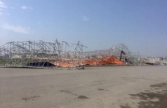 Hàng chục nhà dân bị thiệt hại do dông lốc, mưa đá ở các tỉnh phía Bắc - Ảnh 8.
