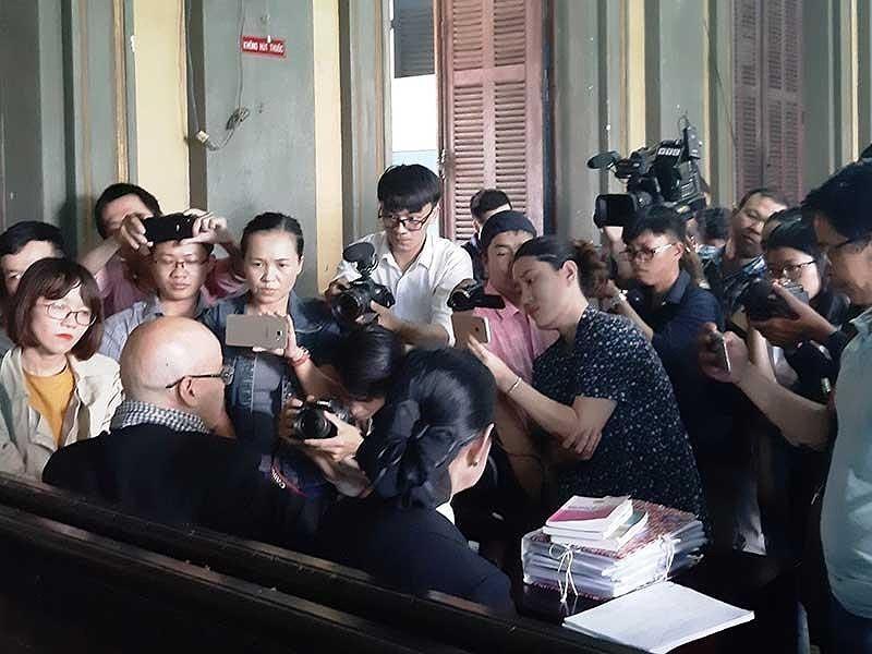 Ngày 1-3, tuyên án vụ ly hôn của vợ chồng Trung Nguyên - ảnh 2
