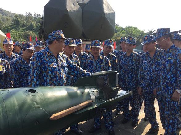 Huấn luyện để bảo vệ vững chắc chủ quyền biển đảo - Ảnh 10.