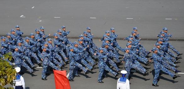 Huấn luyện để bảo vệ vững chắc chủ quyền biển đảo - Ảnh 2.