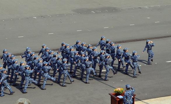 Huấn luyện để bảo vệ vững chắc chủ quyền biển đảo - Ảnh 3.