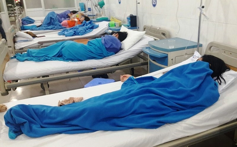 Đà Nẵng: Xử phạt tiệm bánh mỳ khiến hàng chục người nhập viện - ảnh 1