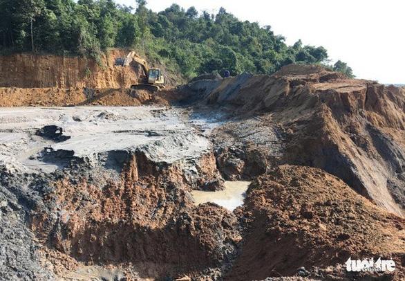 Sập mỏ thiếc ở Nghệ An, 3 người chết - Ảnh 1.