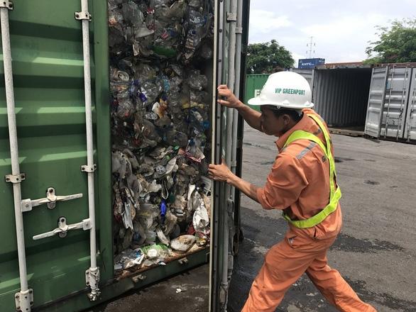 Sau năm 2024, không được nhập nhựa phế liệu để tái chế - Ảnh 1.