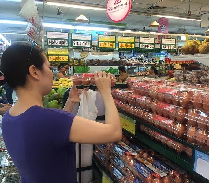 Được mua gà, vịt...bình ổn giá rẻ hơn 35% bình thường - ảnh 1
