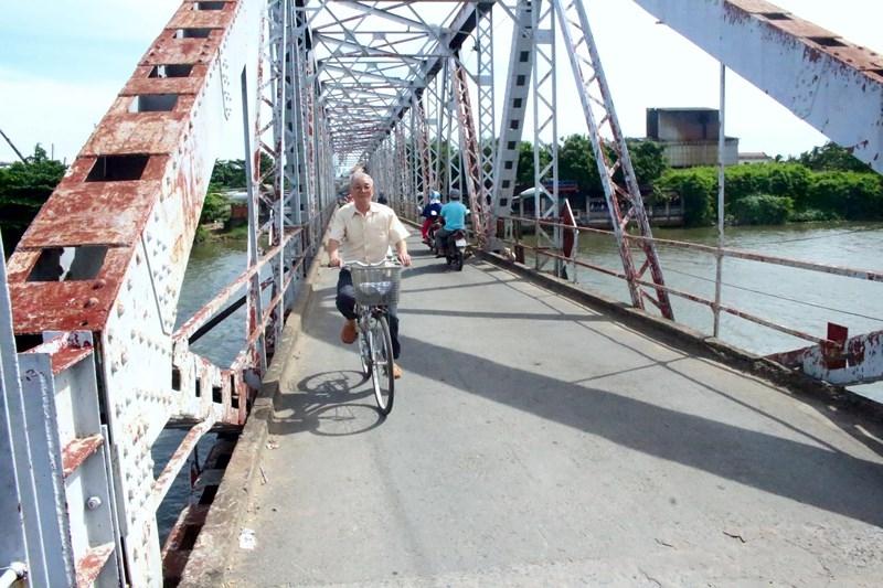 Tiếp tục treo bảng thông báo tháo dỡ cây cầu hơn 100 năm tuổi - ảnh 9