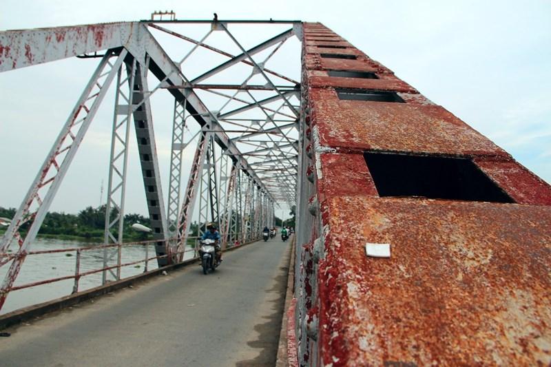 Tiếp tục treo bảng thông báo tháo dỡ cây cầu hơn 100 năm tuổi - ảnh 3