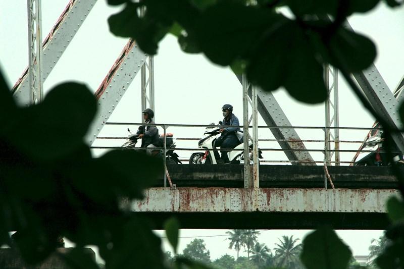 Tiếp tục treo bảng thông báo tháo dỡ cây cầu hơn 100 năm tuổi - ảnh 4