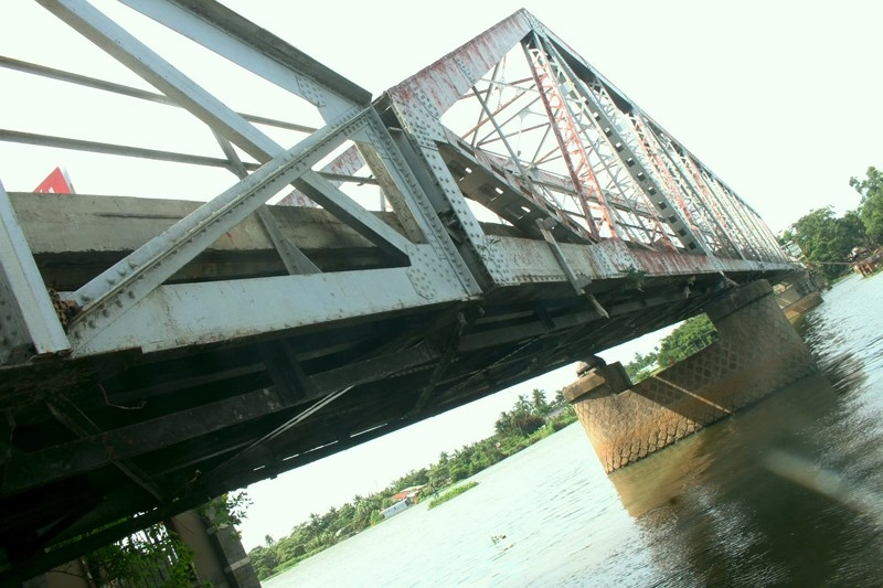 Tiếp tục treo bảng thông báo tháo dỡ cây cầu hơn 100 năm tuổi - ảnh 5