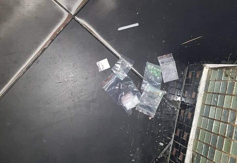 Cả trăm dân chơi nghi sử dụng ma túy trong quán bar ở quận 5 - ảnh 1