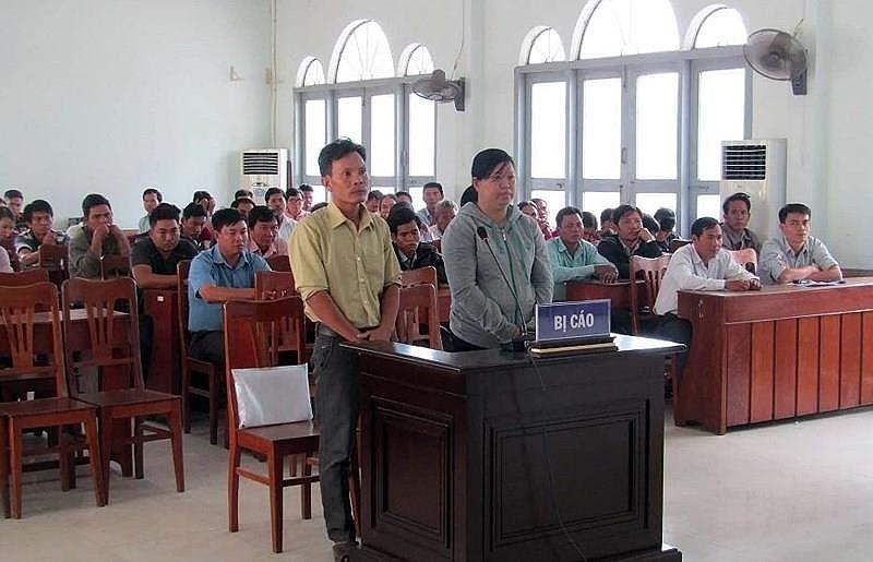 Hoãn xử vụ 'Tráo máy Trung Quốc phát cho người nghèo' - ảnh 1