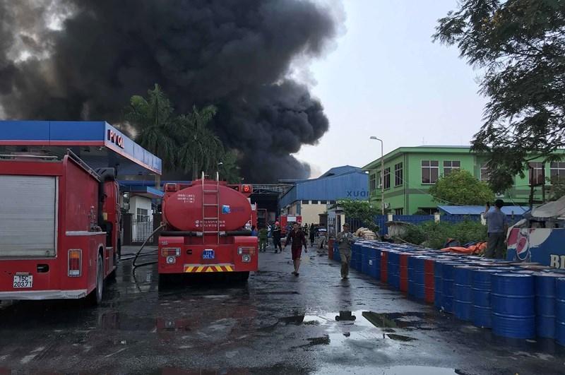 Công an, quân đội dập đám cháy lớn ở Hải Phòng - ảnh 1
