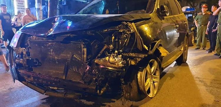 Chiếc xe gây tai nạn khiến chị lao công mất mạng ngày 22/4. Ảnh: Phương Sơn.