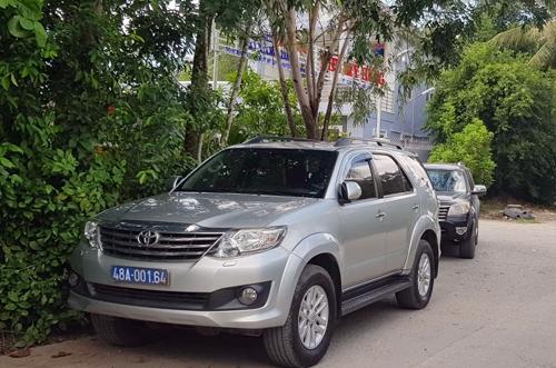 Khu vực kho xăng dầuở Sóc Trăng của Trịnh Sướng bị cảnh sát kiểm trahôm 1/6. Ảnh:Hoàng Hạnh.