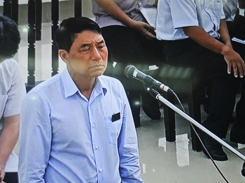 Chủ tọa truy vấn cựu thứ trưởng Bộ Công an Trần Việt Tân - ảnh 1