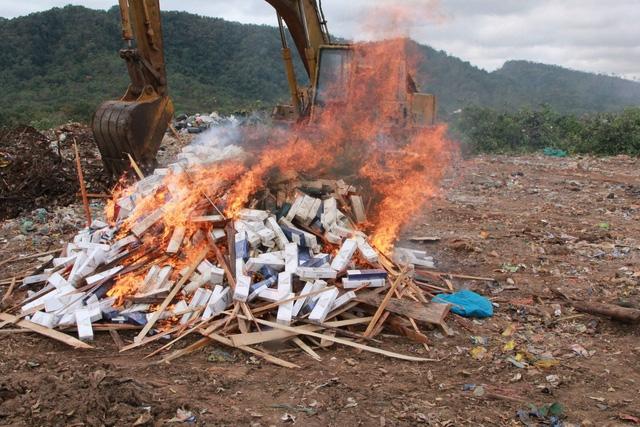Hơn 9.000 bao thuốc lá lậu bị tiêu hủy