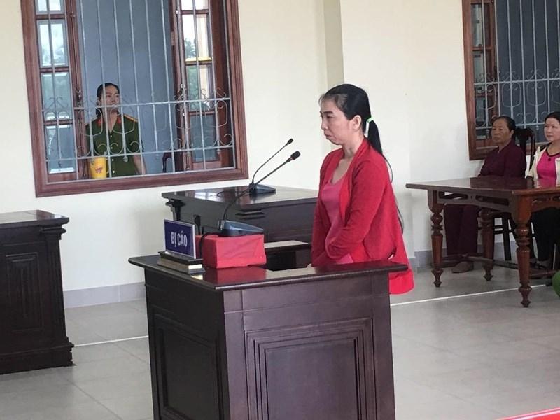 Hơn 100 hụi viên tới tòa dự phiên xử chủ hụi  - ảnh 2
