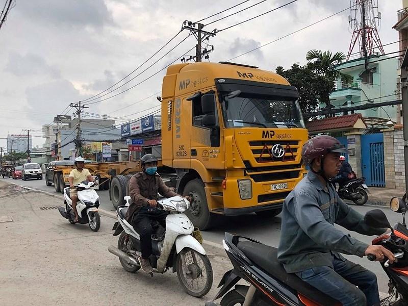 Ám ảnh tai nạn khi đi trên đường Nguyễn Duy Trinh - ảnh 1