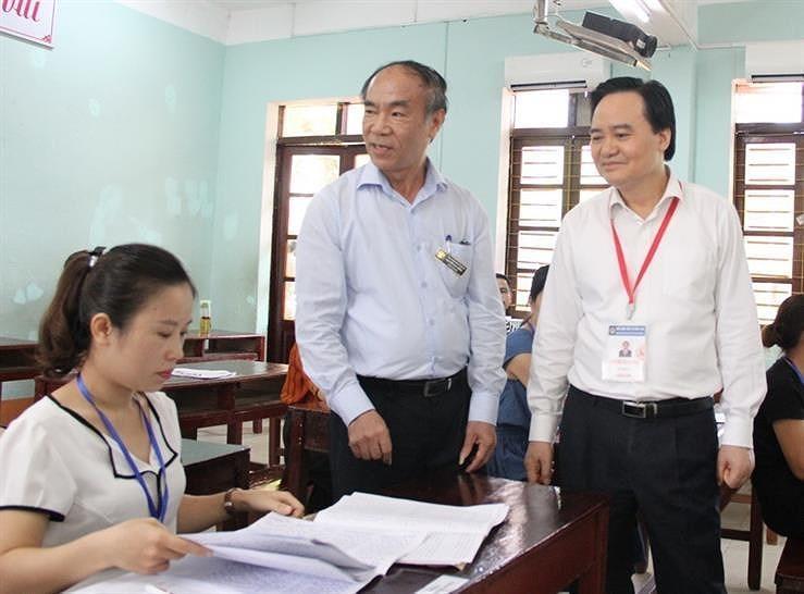 Bộ trưởng GD-ĐT kiểm tra công tác chấm thi tại Hà Giang - ảnh 1