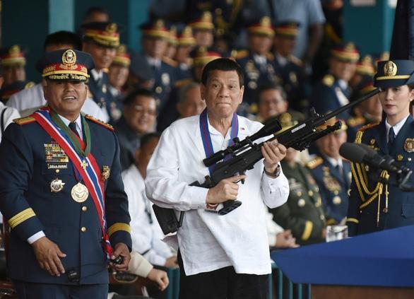 LHQ lập nhóm điều tra cuộc chiến chống ma túy của ông Duterte - Ảnh 1.