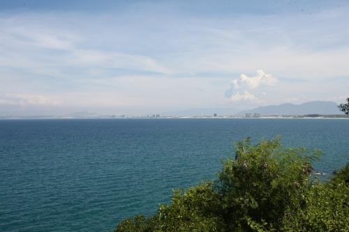 Từ Bãi Dài, Cam Ranh chỉ mất 5 phút đến sân quốc tế bay Cam Ranh