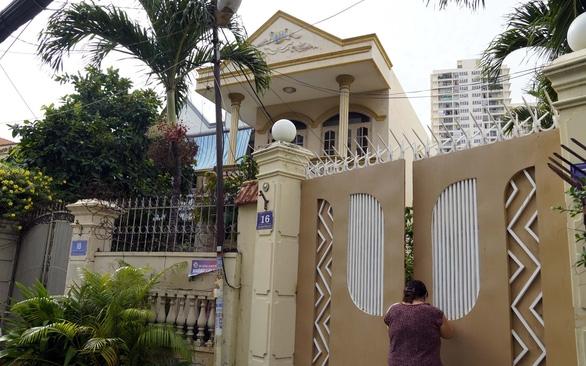 Một Việt kiều khóc cạn nước mắt vì nhờ người quen trong nước đứng tên nhà đất - Ảnh 1.