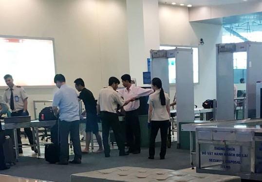Hoạt động soi chiếu an ninh tại sân bay Nội Bài