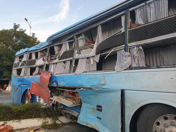 Vụ tai nạn xe khách ở Khánh Hòa: Mùa hè sau, cháu không dám về quê bằng xe nữa - Ảnh 2.