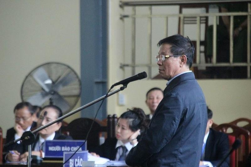 Cựu tướng Phan Văn Vĩnh bị khởi tố vụ bán vật chứng gỗ lậu - ảnh 1