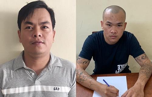 Phúc (trái) và em trai tại cơ quan điều tra. Ảnh: Công an cung cấp.