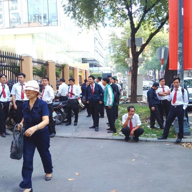 Hàng trăm nhân viên Vinasun dự khán phiên xử kiện Grab - Ảnh 4.