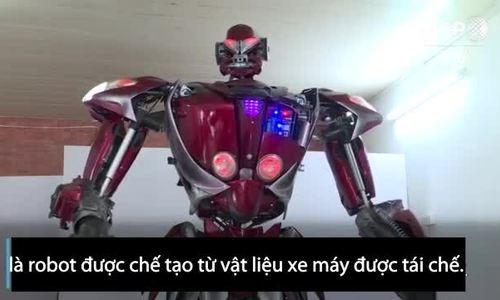 Robot tái chế từ xe máy của Việt Nam lên báo quốc tế