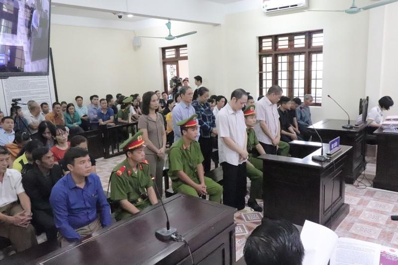 Vụ gian lận điểm thi Hà Giang: 19 người bất tuân lệnh tòa - ảnh 1