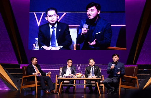 Các diễn giả chia sẻ tại Vietnam HR Awards 2018.