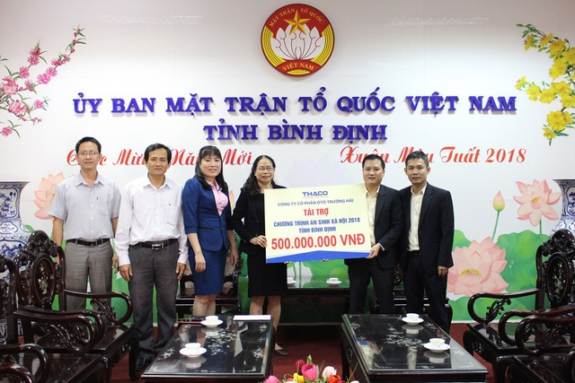 Thaco tặng 25 tỉ đồng ủng hộ người nghèo ăn tết - Ảnh 2.