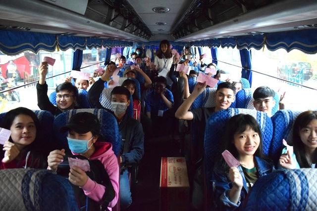 Những chiếc vé ấm tình của người TP.HCM cho các sinh viên xa nhà