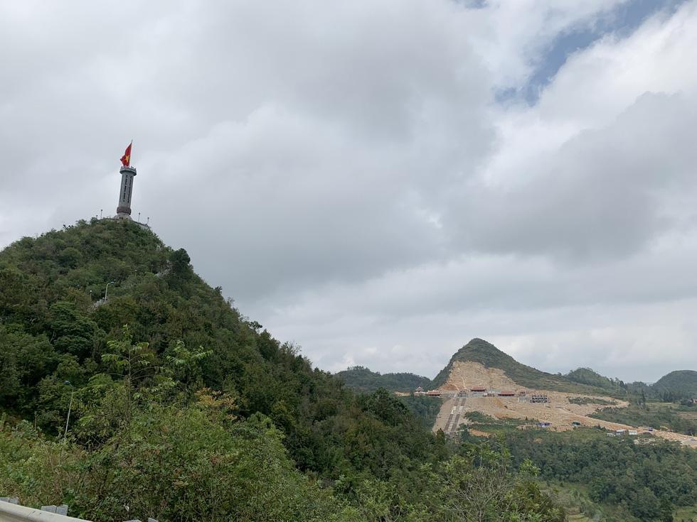 Khu du lịch ở Lũng Cú: Bộ Văn hóa không khuyến khích làm du lịch tâm linh - Ảnh 1.