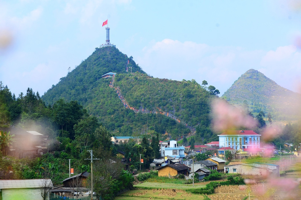 Khu du lịch ở Lũng Cú: Bộ Văn hóa không khuyến khích làm du lịch tâm linh - Ảnh 6.