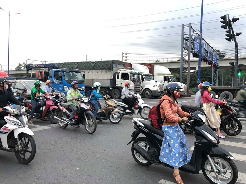 Chùm ảnh: 10 năm khổ vì dự án mở rộng Xa lộ Hà Nội - ảnh 4