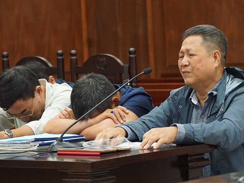 Nước mắt tại phiên xử vụ án đường Hồ Chí Minh - ảnh 1