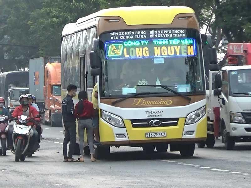Xe khách đường dài tung hoành trên quốc lộ 1A - ảnh 2