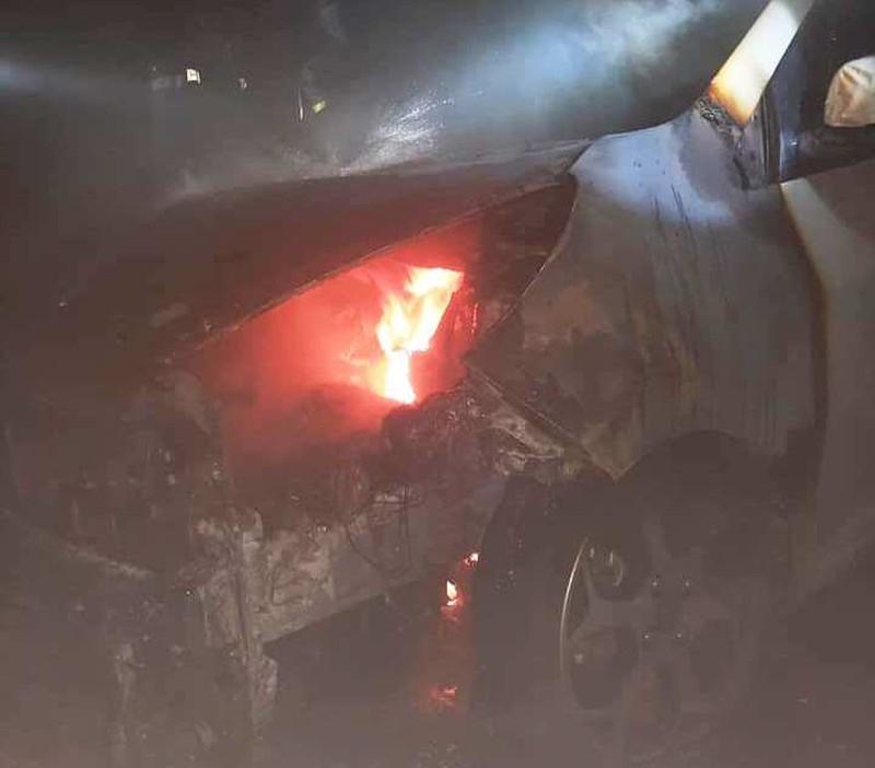 Cháy xe hơi dưới tầng hầm chung cư - ảnh 1