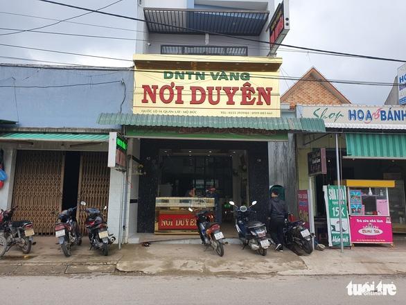 Chủ tiệm vàng kể lại vụ cướp manh động lúc xem U22 Việt Nam đá U22 Indonesia - Ảnh 2.