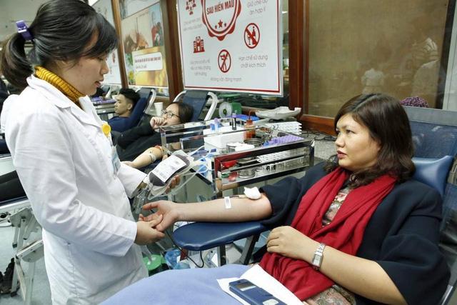Người dân tham gia hiến máu tại Viện Huyết học - Truyền máu Trung ương.