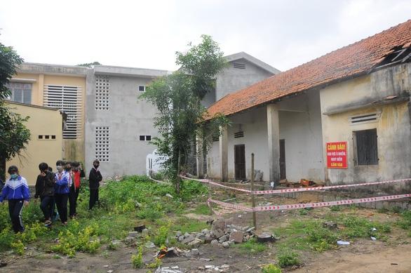Kho thuốc bảo vệ thực vật nằm trong trường học - Ảnh 1.