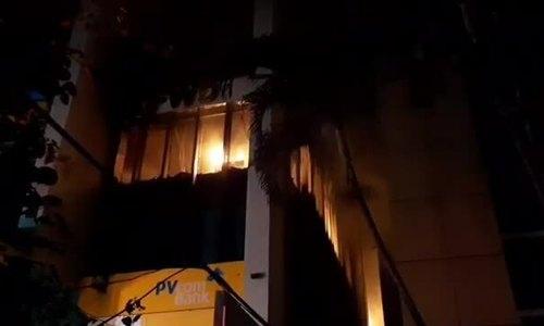 Cháy tòa nhà 11 tầng ở Thanh Hóa