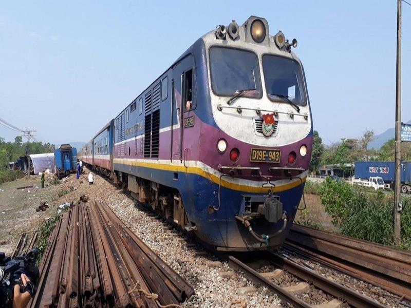 Phó Thủ tướng: Quyết liệt đẩy nhanh tiến độ 4 dự án đường sắt - ảnh 1